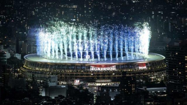 Nagyszabású műsorral és üres lelátókkal nyílt meg a tokiói olimpia 2020