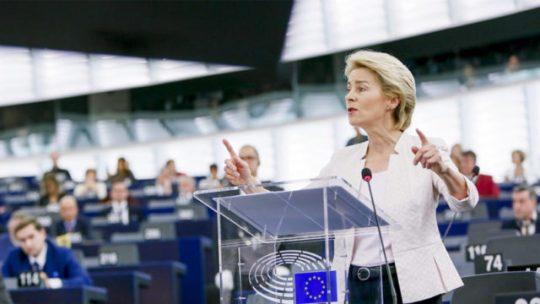 EP már nem Orbánra dühös, hanem az EU bizottság elnökére