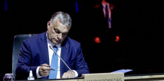 Az Európai Bizottság visszadobta Orbánék helyreállítási terveit