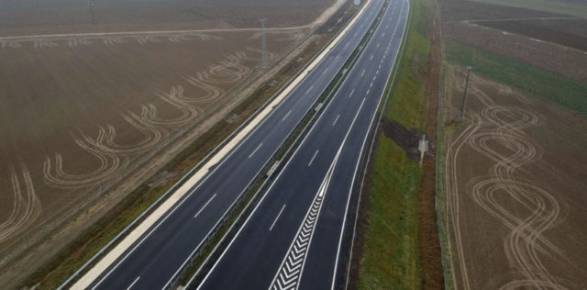 Az autópályákat is kiszervezné a kormány, 35 évre