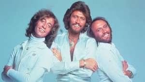 Bee Gees együttes, megasztár, szuper-giga-megaszár
