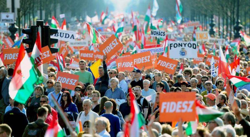 Békemenet főszervezője szerint bizonyos körök le akarják váltani Orbánt, de a magyar népet nem lehet leváltani