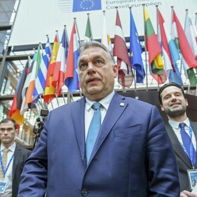 EU figyeli, ahogy Magyarország megöli demokráciát