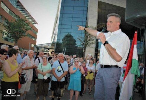 El fogják söpörni az Orbán-rendszert 2022-ben – mondta az országot járó Dobrev Klára Debrecenben