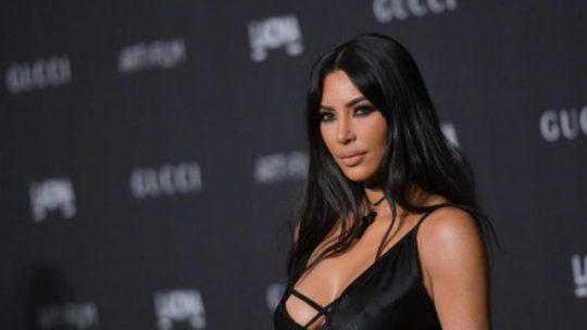 Gyűlölet beszéd ellen sok amerikai híresség tiltakozik Facebookon