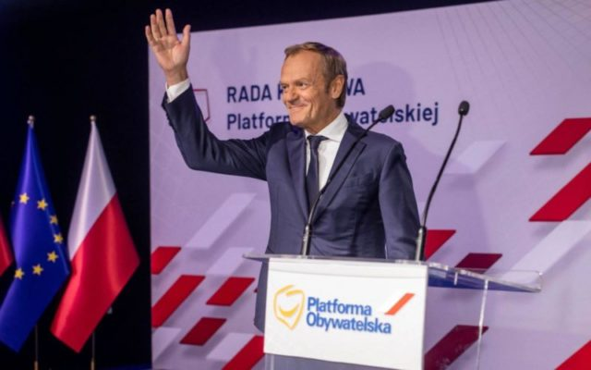 Orbán Viktor kritikusa tér vissza Donald Tusk hazájában gonosz uralkodik