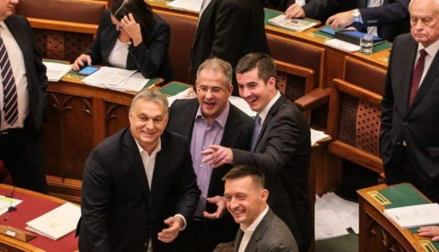 Hazánk akkor is bukja a Pfizer-vakcinák lehetőségét, ha kormányváltás történik! Orbán kilépésének köszönhetően