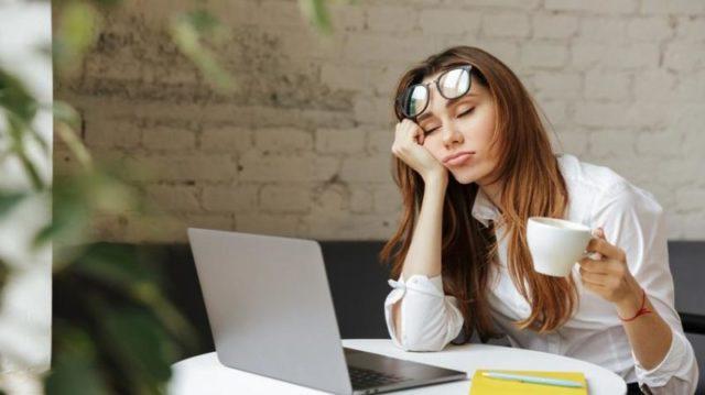 Reggeli fáradtság: ilyen, amikor a pajzsmirigy okozza
