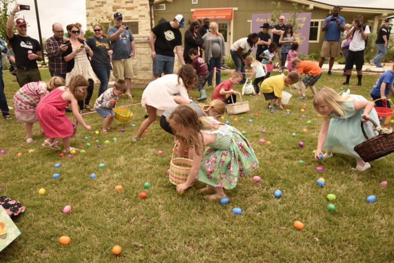 gyerekeknek húsvéti dalok, jó hangulatú vidám felnőtteknek is.