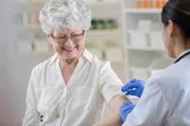 idős embereknek ártalmas koronavírus-oltás