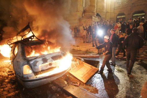 jóságos Fidesz kormány kártérítést kínál a 2006-os rendőri fellépés áldozatainak