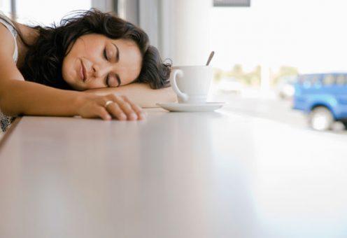 Kávé jó vagy rossz. Egészséges, vagy káros. Kávéfogyasztás egészséges, álmatlanságot okoz.