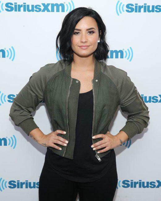 szorongás kezelés, pánik roham kezelés, Demi Lovato